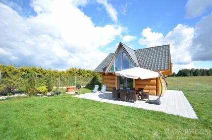 Całoroczne domy na Mazurach z domowym SPA (sauna, ruska bania z jakuzzi, basen letni)